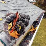How to Remove Debris From a Roof